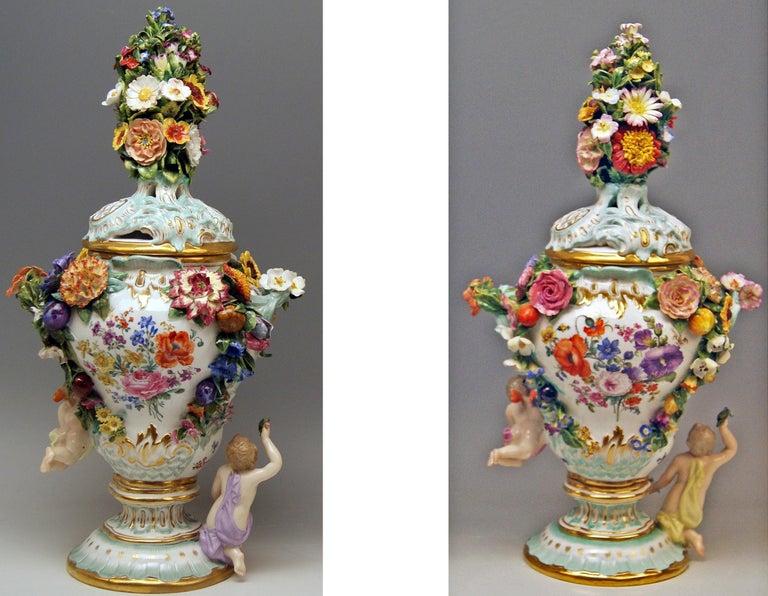 German Meissen Two Potpourri Vases 2707 Painted Pictures Cherubs Flowers Kaendler 1870 For Sale