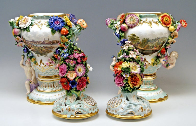 Meissen Two Potpourri Vases 2707 Painted Pictures Cherubs Flowers Kaendler 1870 In Good Condition For Sale In Vienna, AT