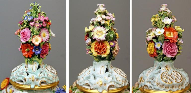 Meissen Two Potpourri Vases 2707 Painted Pictures Cherubs Flowers Kaendler 1870 For Sale 2