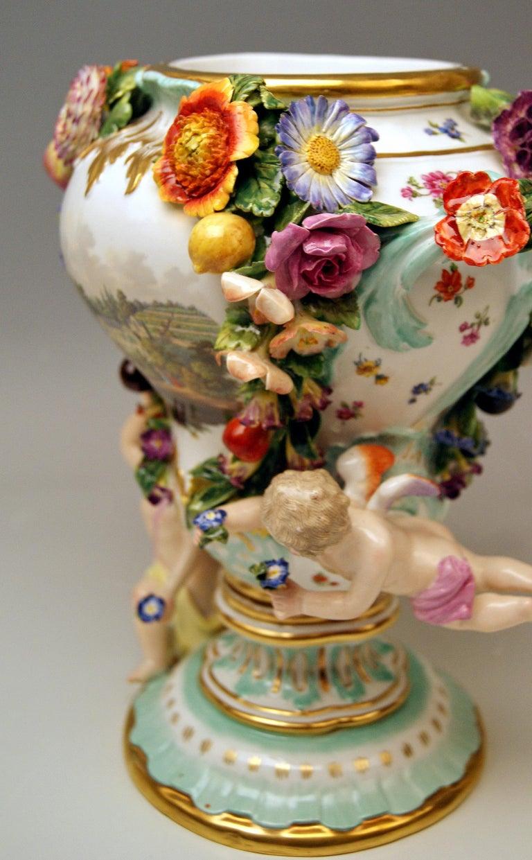 Meissen Two Potpourri Vases 2707 Painted Pictures Cherubs Flowers Kaendler 1870 For Sale 4