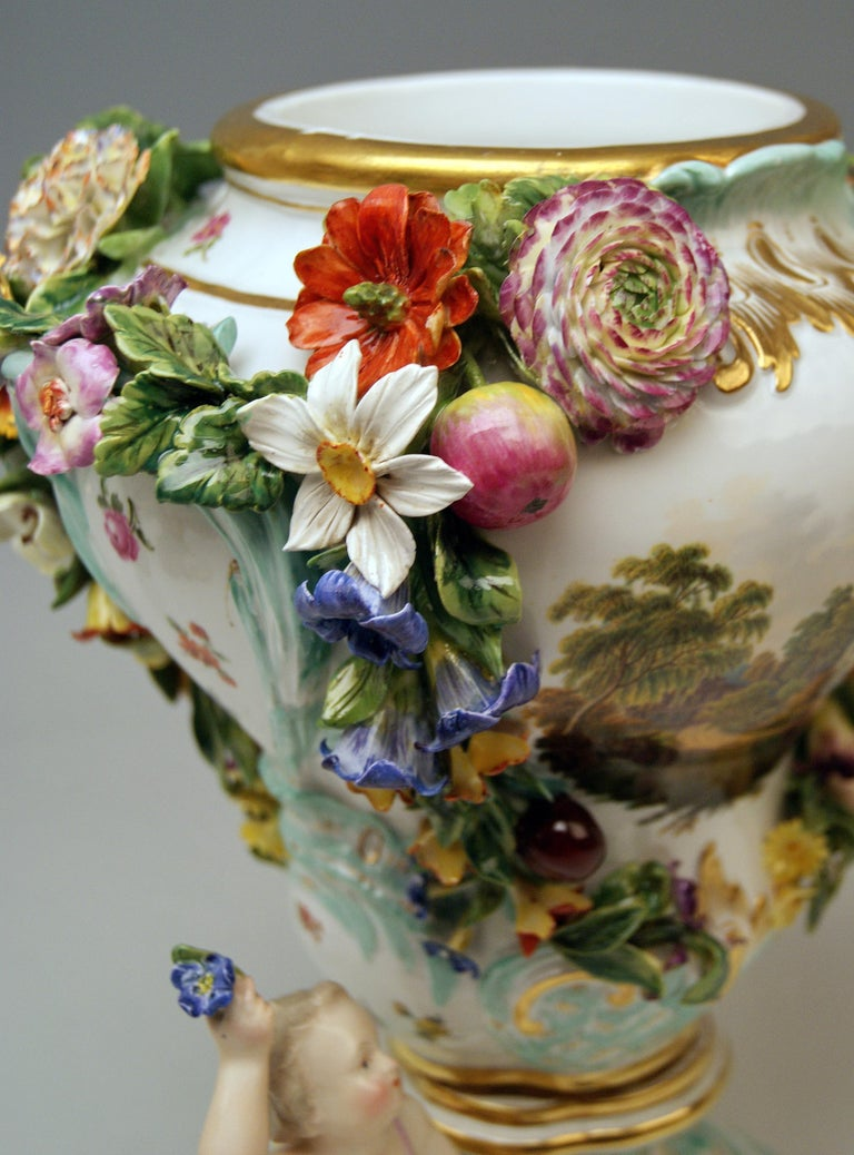 Meissen Two Potpourri Vases 2707 Painted Pictures Cherubs Flowers Kaendler 1870 For Sale 6