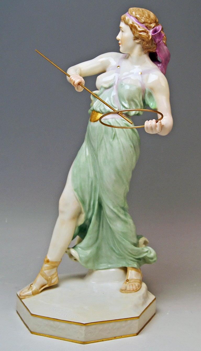 Art Nouveau Meissen Figurine Girl Throwing Hoop Reifenspielerin A 235 by R. Boeltzig For Sale