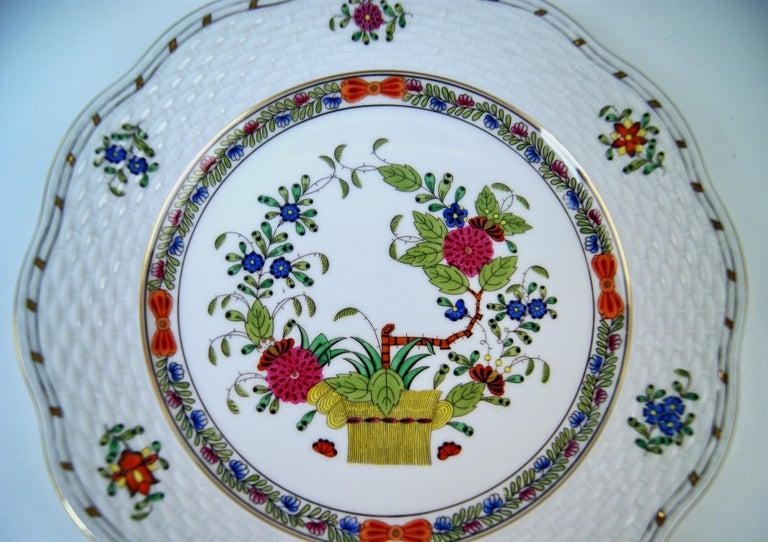Herend Dinner Set for Twelve Persons Decor Fleurs des Indes Multicolored For Sale 3