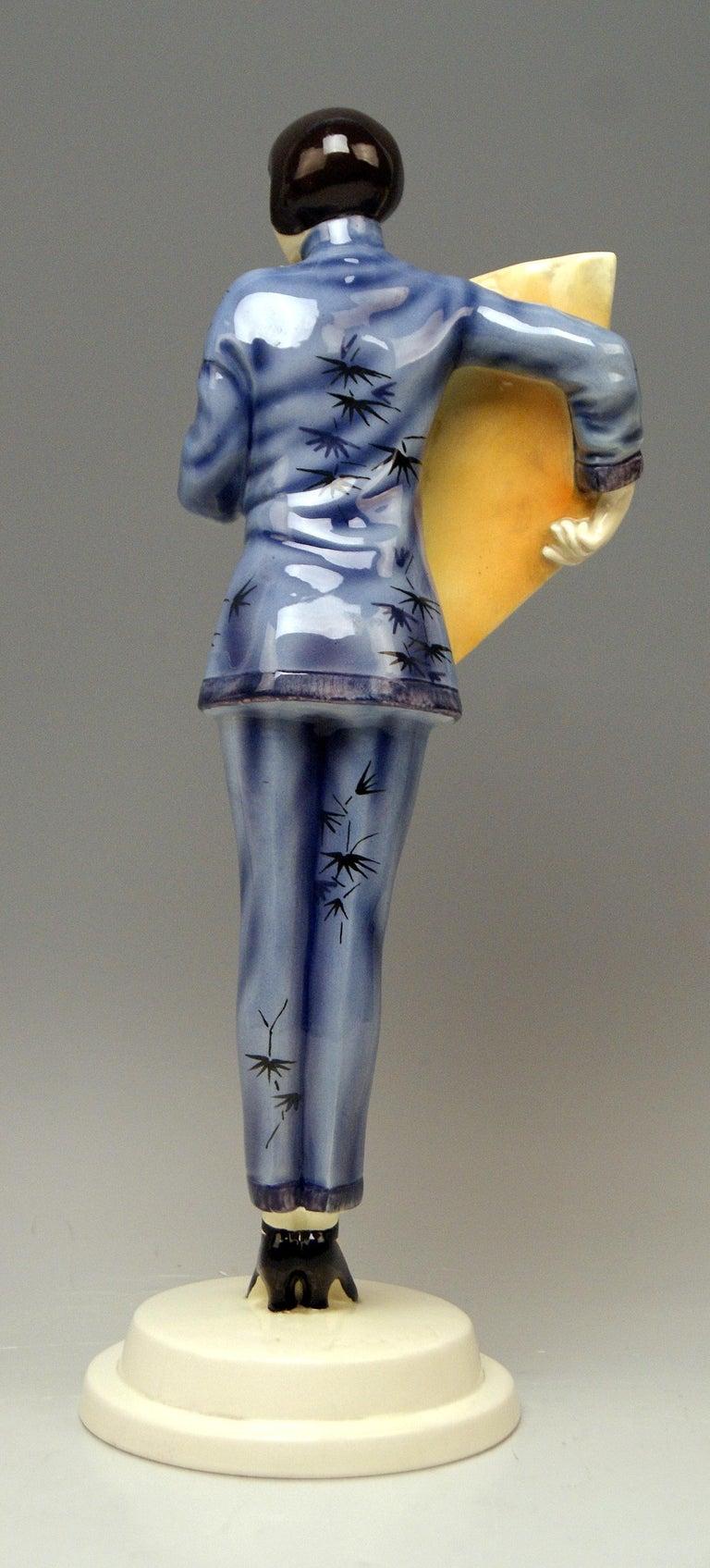 Austrian Goldscheider Vienna Lady Clad in Japanese Costume Model 5870 Lorenzl, circa 1930 For Sale