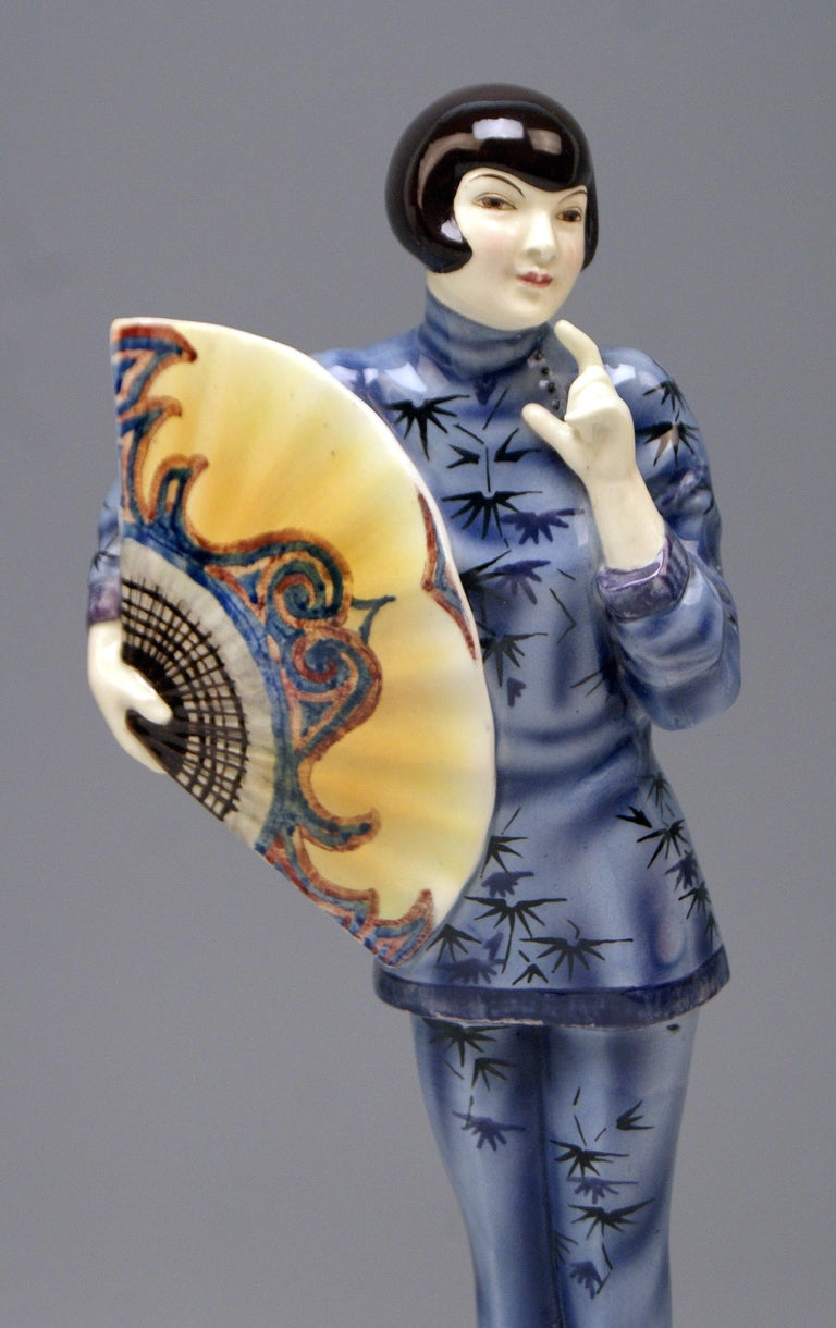Painted Goldscheider Vienna Lady Clad in Japanese Costume Model 5870 Lorenzl, circa 1930 For Sale