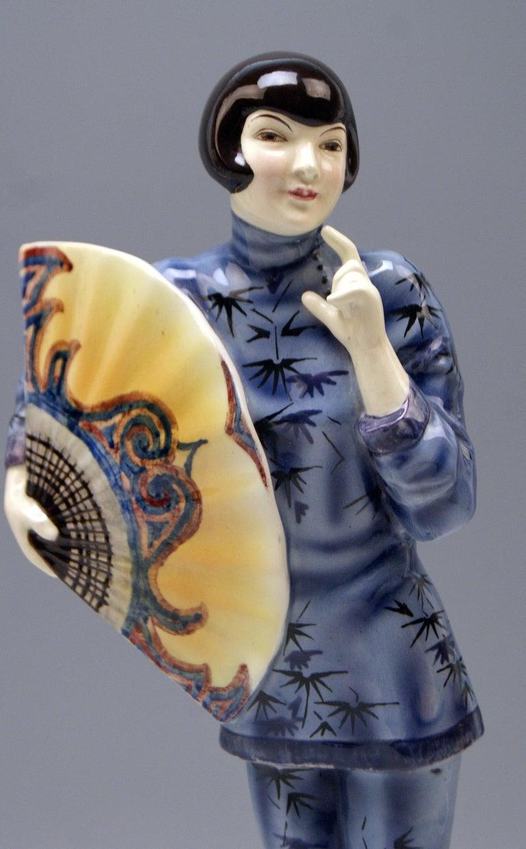 Mid-20th Century Goldscheider Vienna Lady Clad in Japanese Costume Model 5870 Lorenzl, circa 1930 For Sale