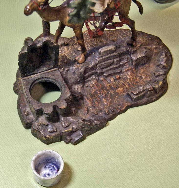 Vienna Bronze Vintage Franz Bergman Arab Warrior Riding on Camel Inkwell, 1890 For Sale 4