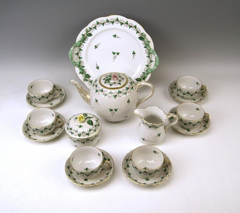 We invite you here to look at a splendid as well as nicest Herend tea set for six persons: 