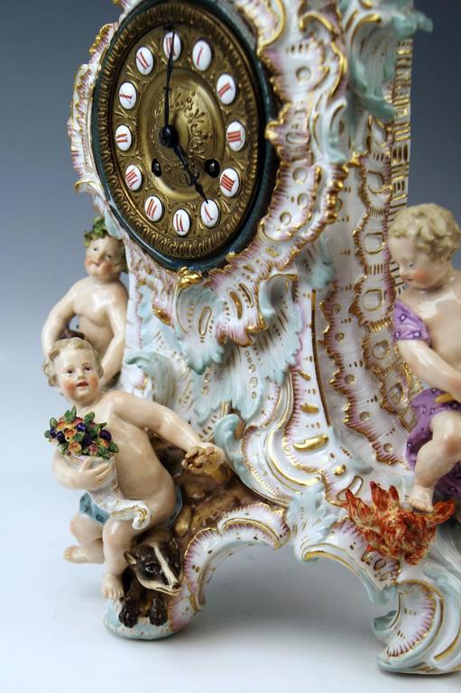 Meissen Gorgeous Mantle /Table Clock Four Elements Sculptured Cherubs circa 1860 In Excellent Condition For Sale In Vienna, AT