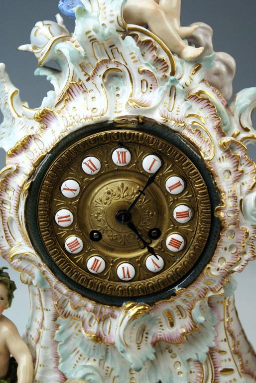 Meissen Gorgeous Mantle /Table Clock Four Elements Sculptured Cherubs circa 1860 For Sale 1