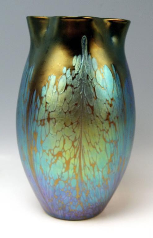 Austrian Vase Loetz Widow Klostermuehle Art Nouveau Maron Medici, circa 1903 For Sale