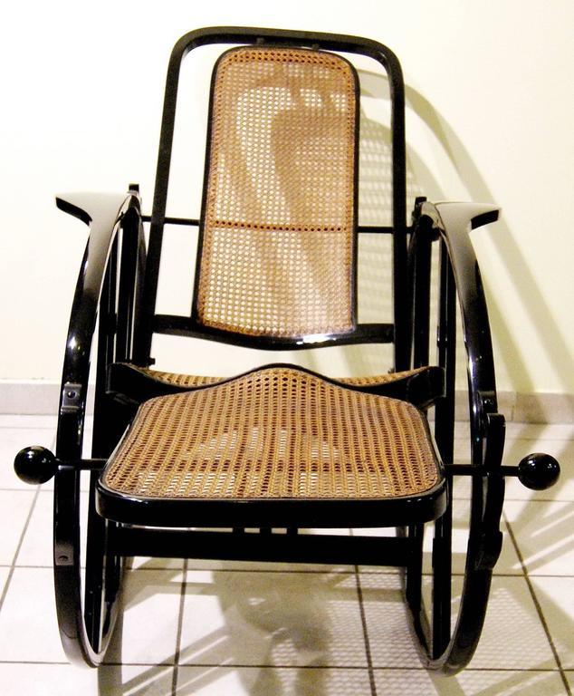 """Antonio Volpe Udine/Josef Hoffmann (Attr.) """"Egg"""" Black Rocking Chair, circa 1922 3"""
