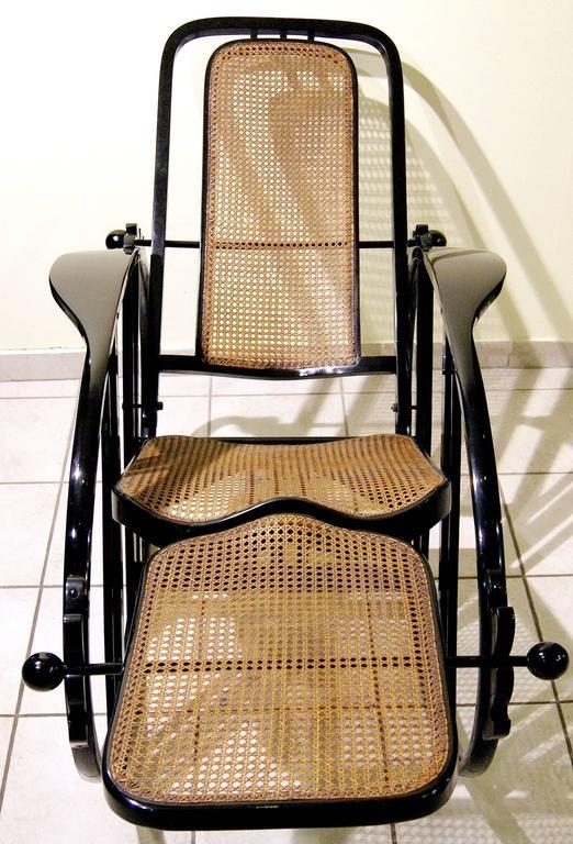 """Antonio Volpe Udine/Josef Hoffmann (Attr.) """"Egg"""" Black Rocking Chair, circa 1922 4"""