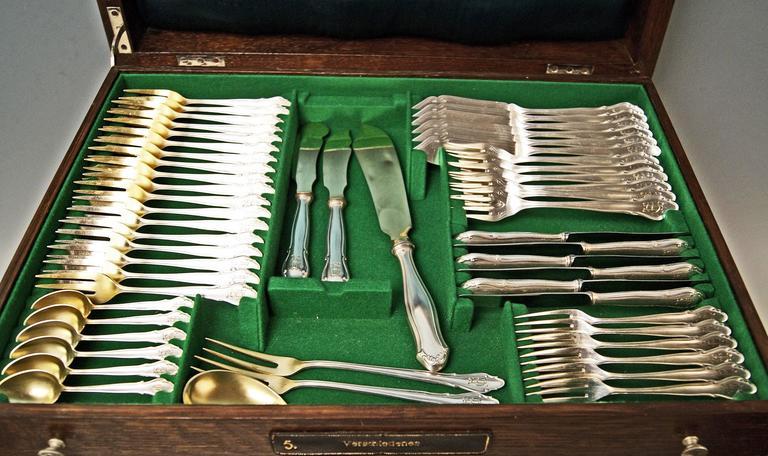Koch Bergfeld Silver 800 Cutlery Baroque Design 264-Pieces Bremen Germany 1900 For Sale 3