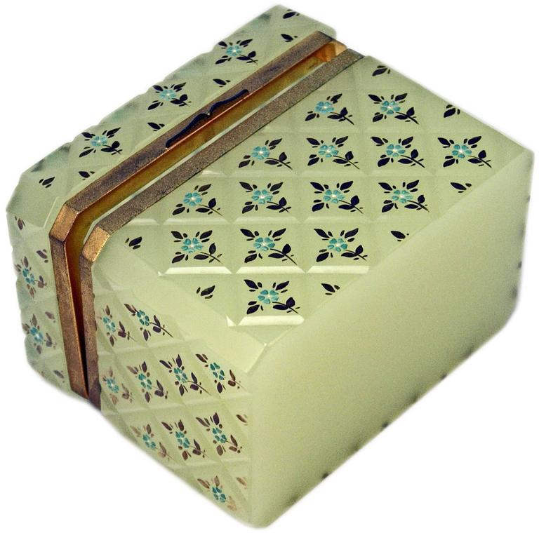 Opaline Green Casket Box Gilt Bronze Mounting Painted Flowers Bohemia c.1850 In Excellent Condition For Sale In Vienna, AT