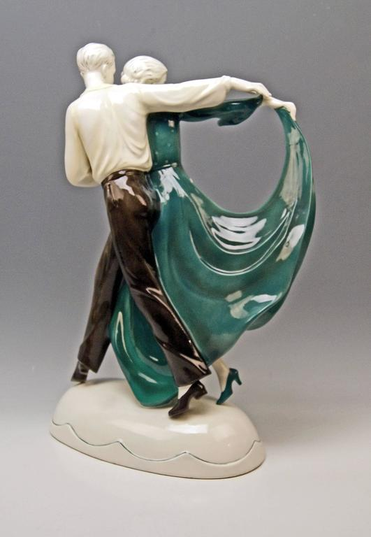 Katzhuette Dancing Couple Thuringia Germany Art Deco Goldscheider Style c.1930 In Excellent Condition For Sale In Vienna, AT