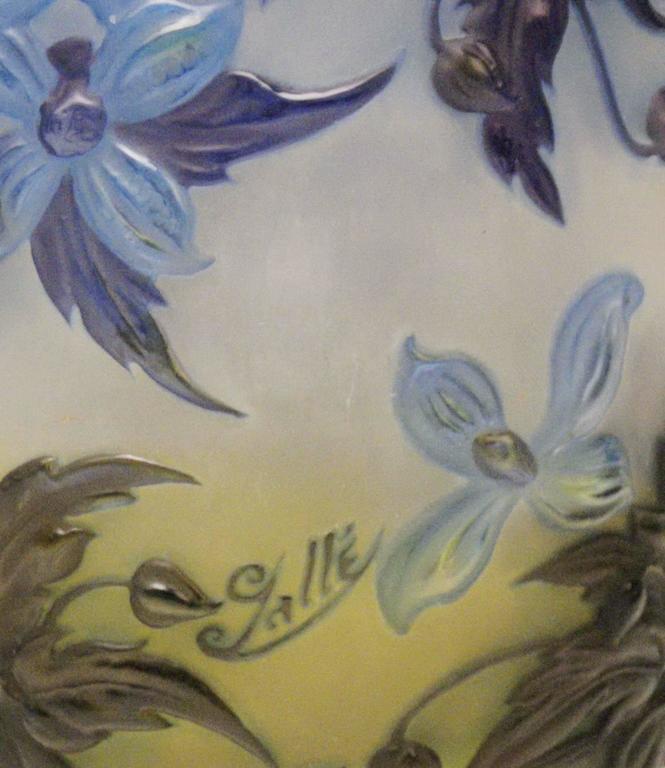 Soufflé Vase Gallé Clematis Flowers Leaves Emile Galle Nancy Art Nouveau 1925 For Sale 1