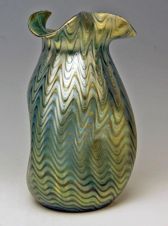 Austrian Vase Loetz Widow Klostermuehle Bohemia Art Nouveau Decor Crete PG 6893 made 1900 For Sale