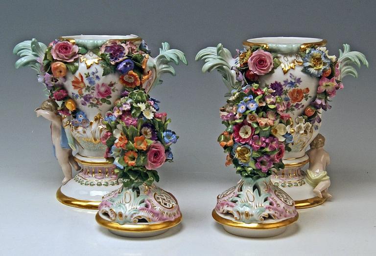 Rococo Meissen Pair of Kaendler Potpourri Lidded Vases Decorations, circa 1850 For Sale