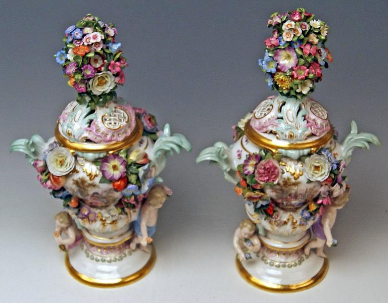 Meissen Pair of Kaendler Potpourri Lidded Vases Decorations, circa 1850 In Excellent Condition For Sale In Vienna, AT
