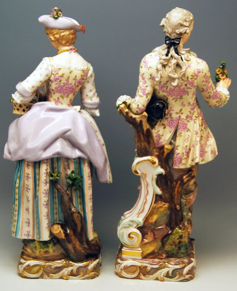 Meissen Two Gardeners Male Female Models 2868 B 65 Kaendler 20 inches made 1870 In Excellent Condition For Sale In Vienna, AT