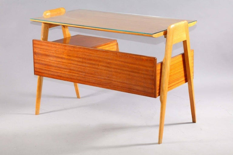 Writing Desk Designed by Vittorio Dassi, Italy, 1950 In Excellent Condition For Sale In Vienna, Vienna