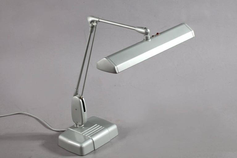 Mid-Century Modern Vintage Industrial Design Dazor Floating Lamp For Sale