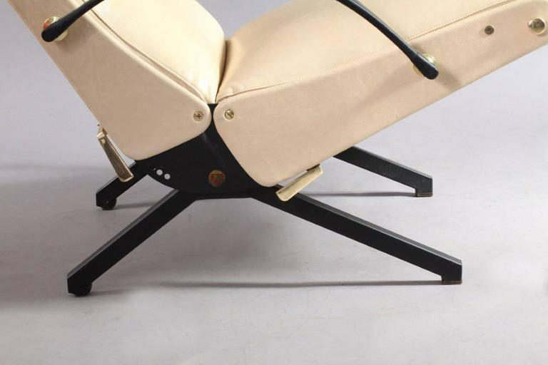 1950 Osvaldo Borsani P40 Relaxing System Leather Armchair 4
