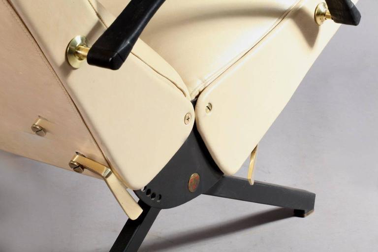 1950 Osvaldo Borsani P40 Relaxing System Leather Armchair 5
