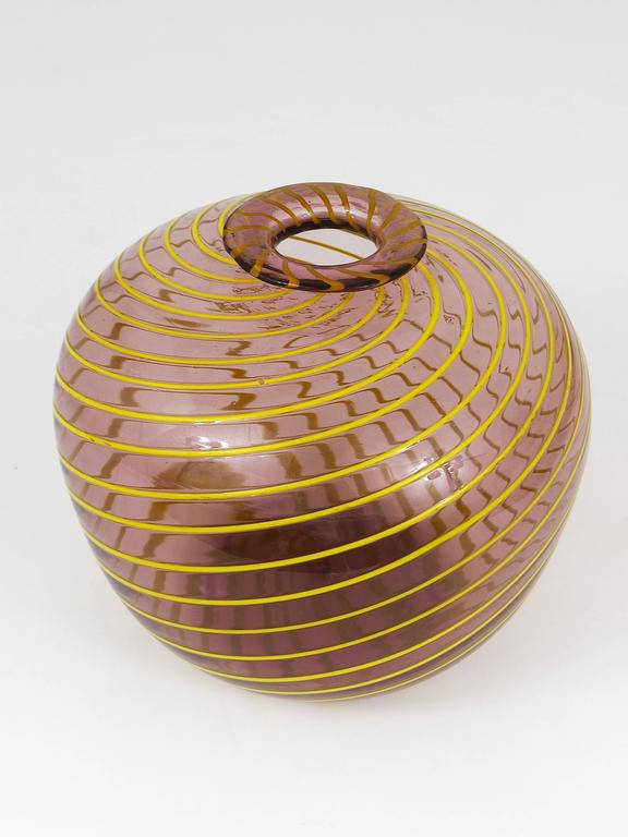 Hand-Crafted Fratelli Toso Big Purple Murano Swirl Vase with Yellow Stripes, Italy, 1950s For Sale