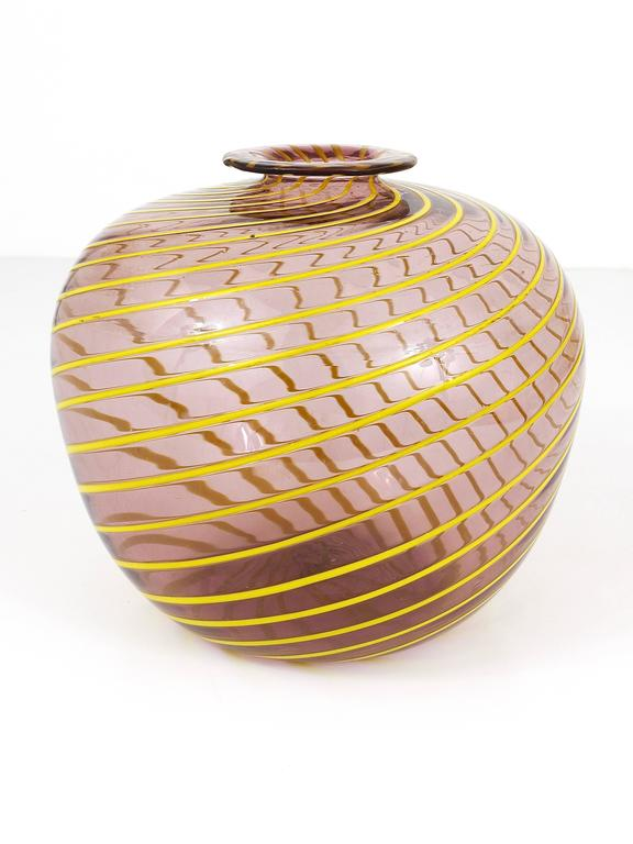 20th Century Fratelli Toso Big Purple Murano Swirl Vase with Yellow Stripes, Italy, 1950s For Sale