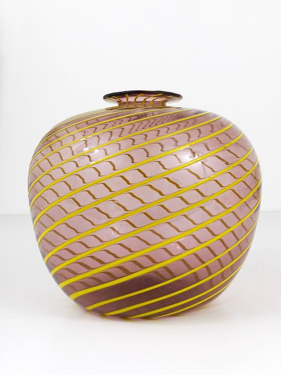 Fratelli Toso Big Purple Murano Swirl Vase with Yellow Stripes, Italy, 1950s For Sale 1