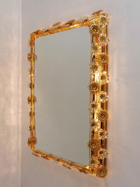 Faceted Big Palwa Illuminated Flower Wall Mirror, Gilt Brass and Crystals, Germany, 1970 For Sale