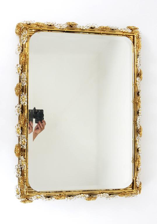 Mid-Century Modern Big Palwa Illuminated Flower Wall Mirror, Gilt Brass and Crystals, Germany, 1970 For Sale