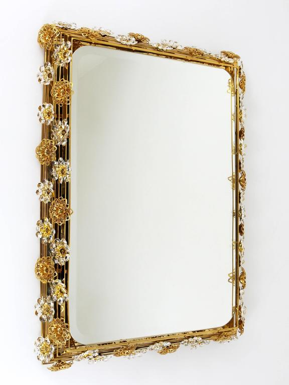 Big Palwa Illuminated Flower Wall Mirror, Gilt Brass and Crystals, Germany, 1970 For Sale 1