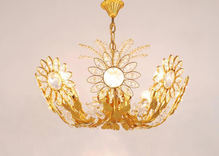 Palwa Flower Palm Tree Chandelier, Gilt Brass and Crystals, Germany, 1970s In Excellent Condition For Sale In Vienna, AT