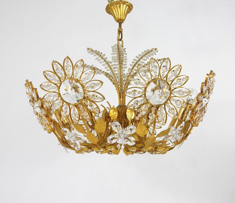 Palwa Flower Palm Tree Chandelier, Gilt Brass and Crystals, Germany, 1970s For Sale 1