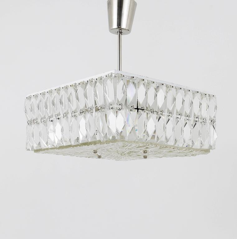 Square Bakalowits Modernist Chandelier with Faceted Crystals, Austria, 1960s For Sale 1