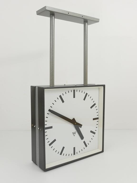 Very Double Sided Two Face Train Station Clock In Excellent Condition For