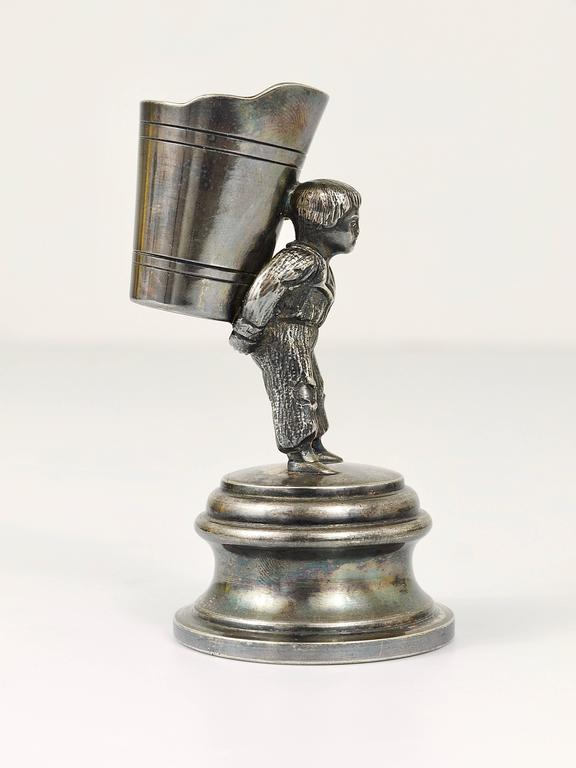 1920s Silver Art Nouveau Toothpick Holder Displaying a Boy at Grape Harvest For Sale 1