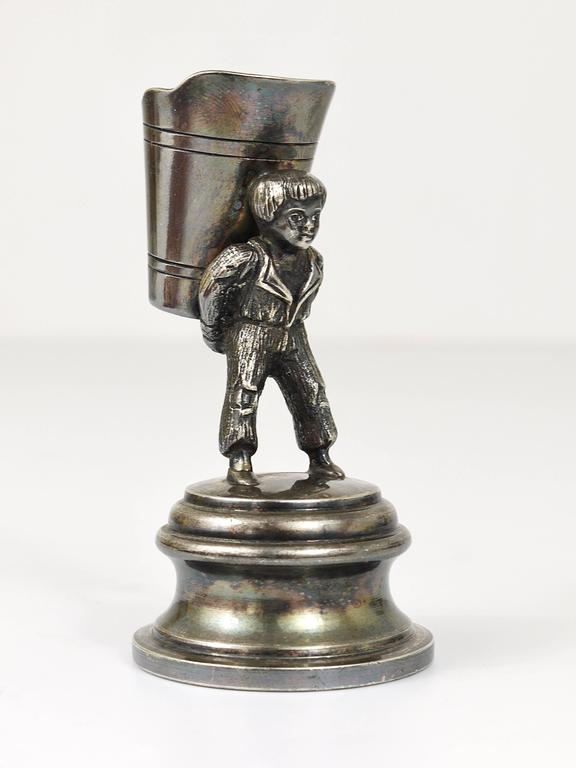 1920s Silver Art Nouveau Toothpick Holder Displaying a Boy at Grape Harvest For Sale 2