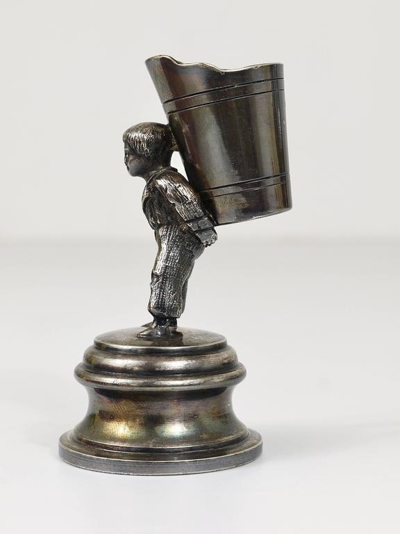 1920s Silver Art Nouveau Toothpick Holder Displaying a Boy at Grape Harvest For Sale 3
