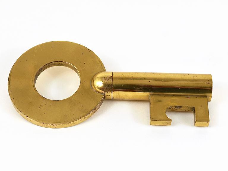 Carl Auböck Large Brass Key Cork Screw, Bottle Opener, Rare Model, Austria For Sale 1