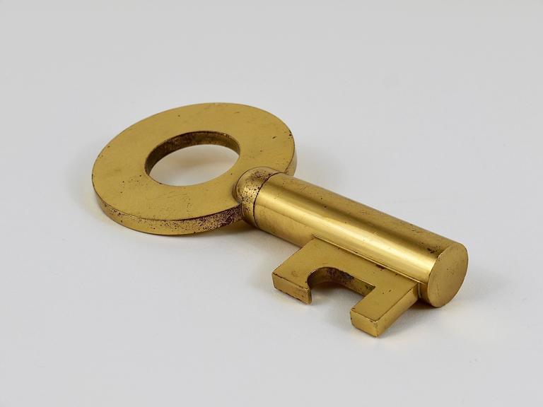Carl Auböck Large Brass Key Cork Screw, Bottle Opener, Rare Model, Austria For Sale 4
