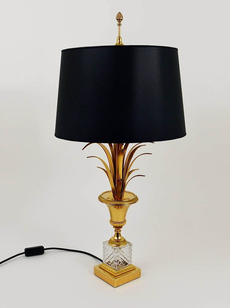 Hollywood Regency Gilt Brass and Glass Pineapple Leaf Table Lamp, France, 1970s For Sale 1