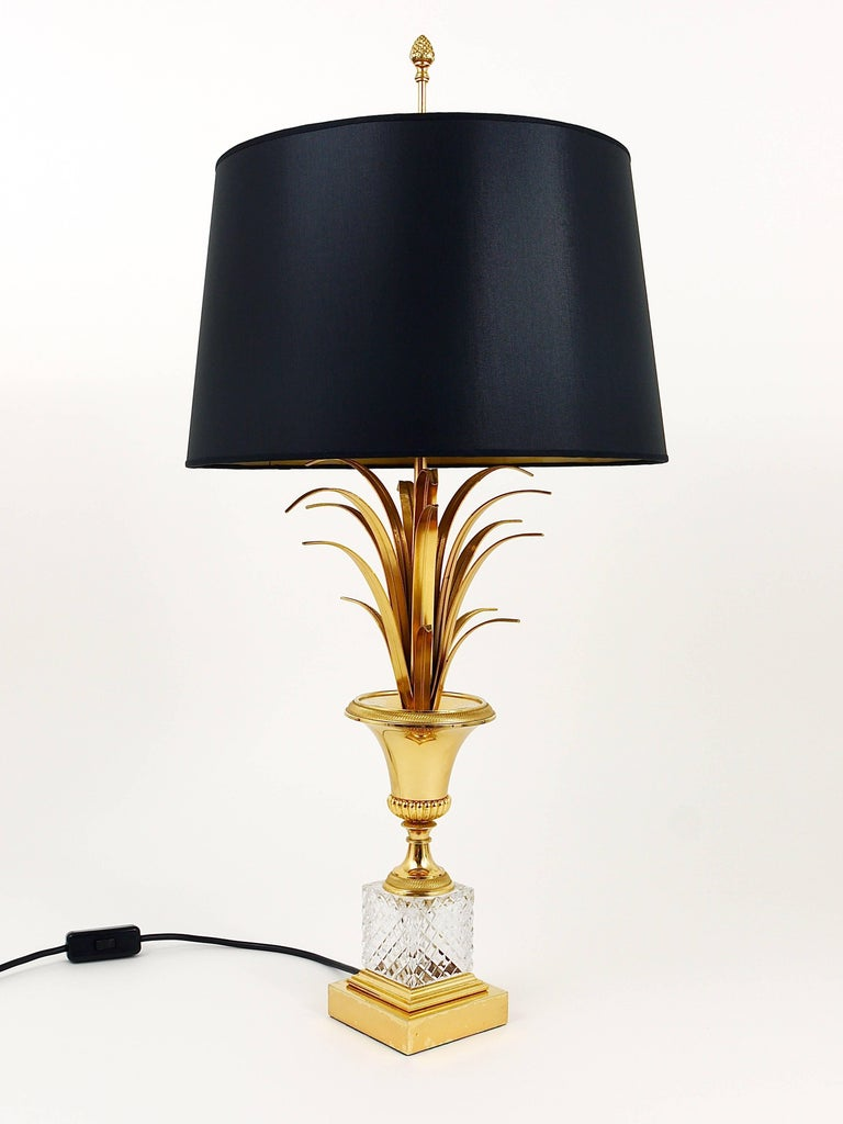 Hollywood Regency Gilt Brass and Glass Pineapple Leaf Table Lamp, France, 1970s For Sale 2