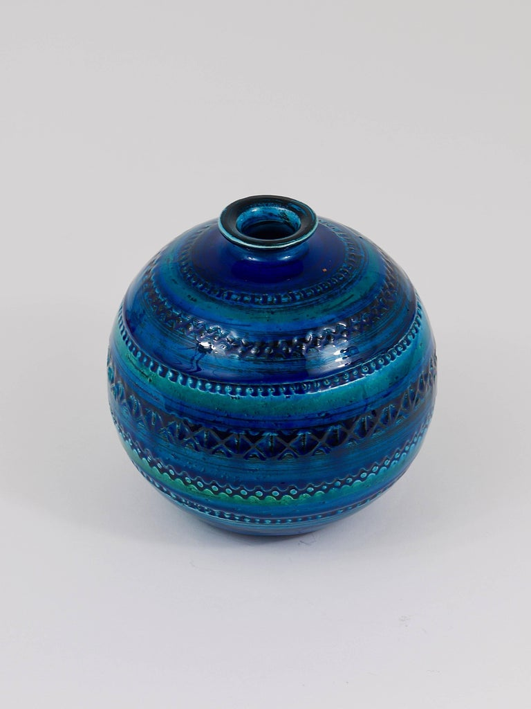 Mid-Century Modern Mid-Century Bitossi Rimini Blue Pottery Ball Vase by Aldo Londi, Italy, 1960s For Sale