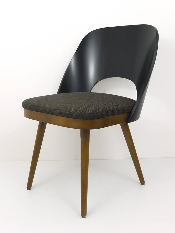 Up To 12 Modernist Armchairs In The Style Of Oswald