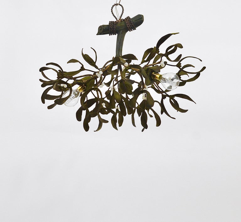 Sculptural Art Nouveau Mistletoe Bronze Chandelier, France, 1920s In Good Condition For Sale In Vienna, AT