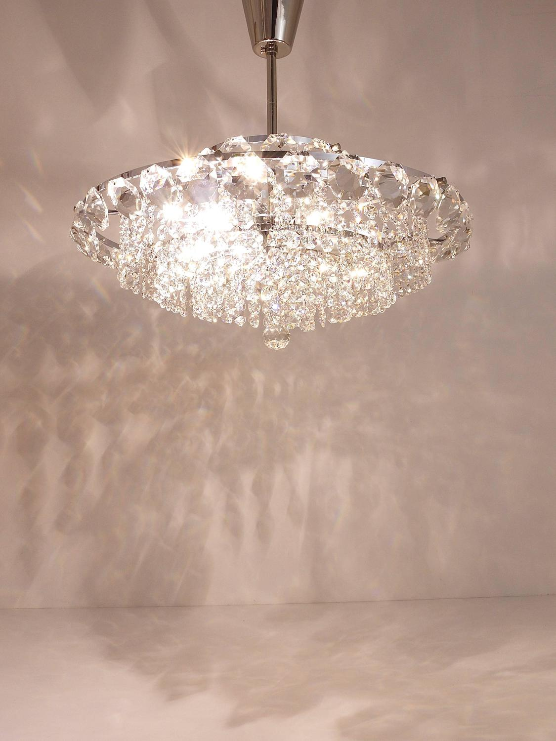 Most beautiful chandeliers 17 world s most beautiful chandeliers mostbeautifulthings 27 - Most popular chandeliers ...